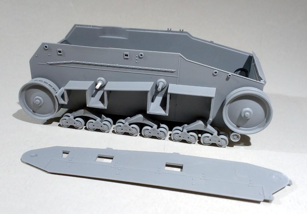 Leichttraktor [ICM 1/35] 19041909524623099316205768