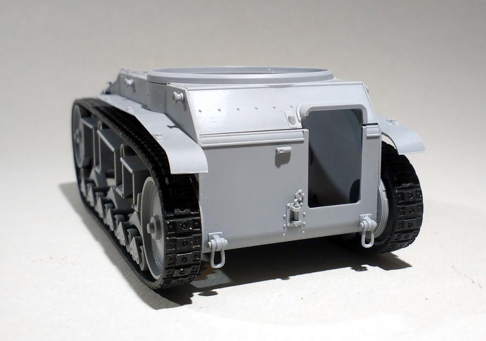 Leichttraktor [ICM 1/35] 19041909525423099316205773