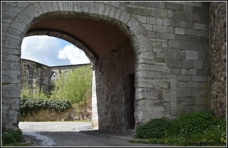 Abbaye d'Aulne, photographie par Pierre BOURGUIGNON, Belgique