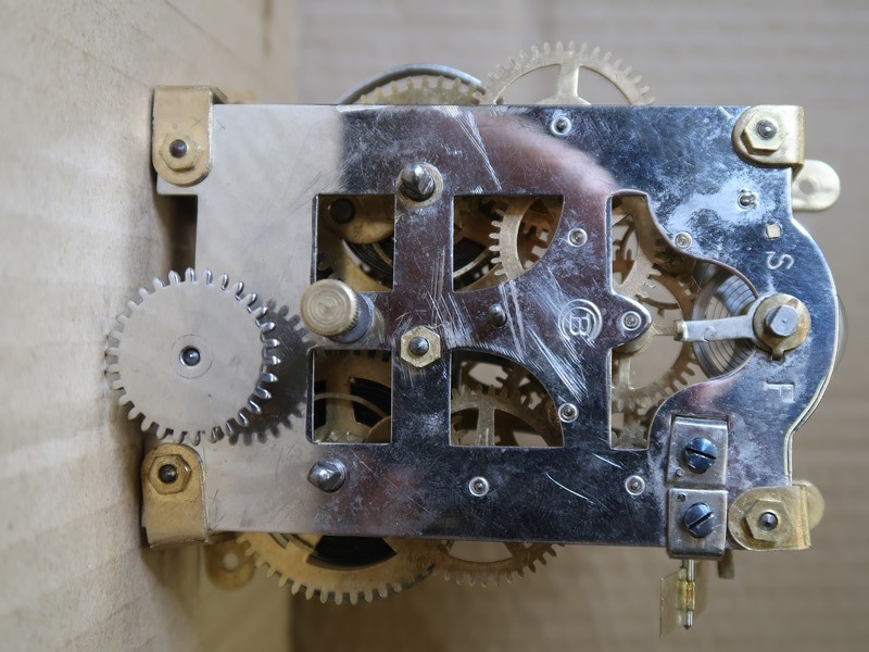 Qui s'intéresse au réveil mécanique...? - tome 2 - Page 8 19050112264423969816219769