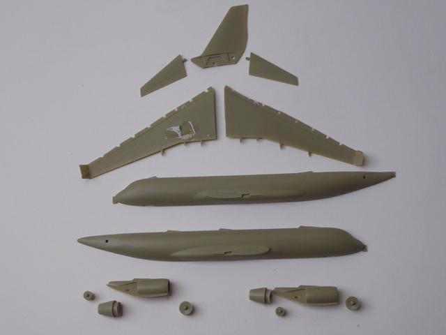 Tupolev TU 204-300 1905240816429175516249219