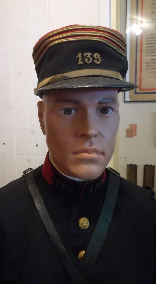 uniformes français 19060203222016511216259786