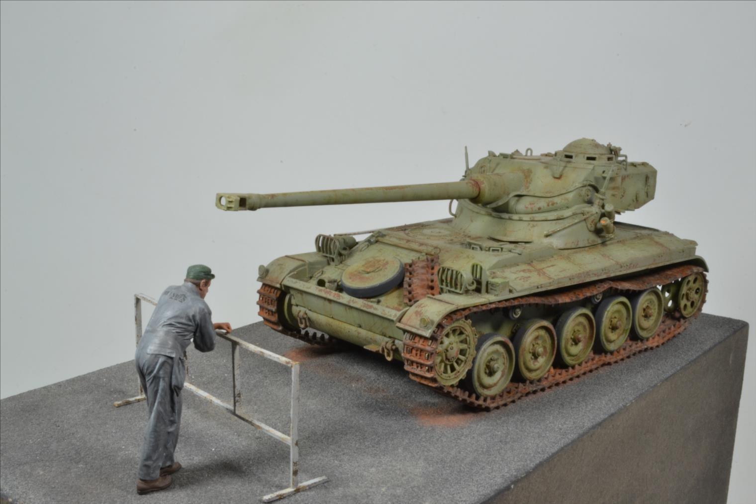 AMX 13 (Tamiya) 1/35 - Page 2 19061210391722494216272083
