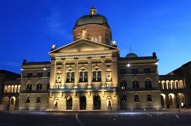 Berne : Palais fédéral 574775-Officiel-101