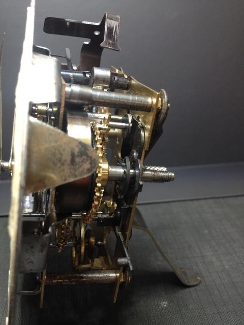 Qui s'intéresse au réveil mécanique...? - tome 2 - Page 8 19081007475923969816352338