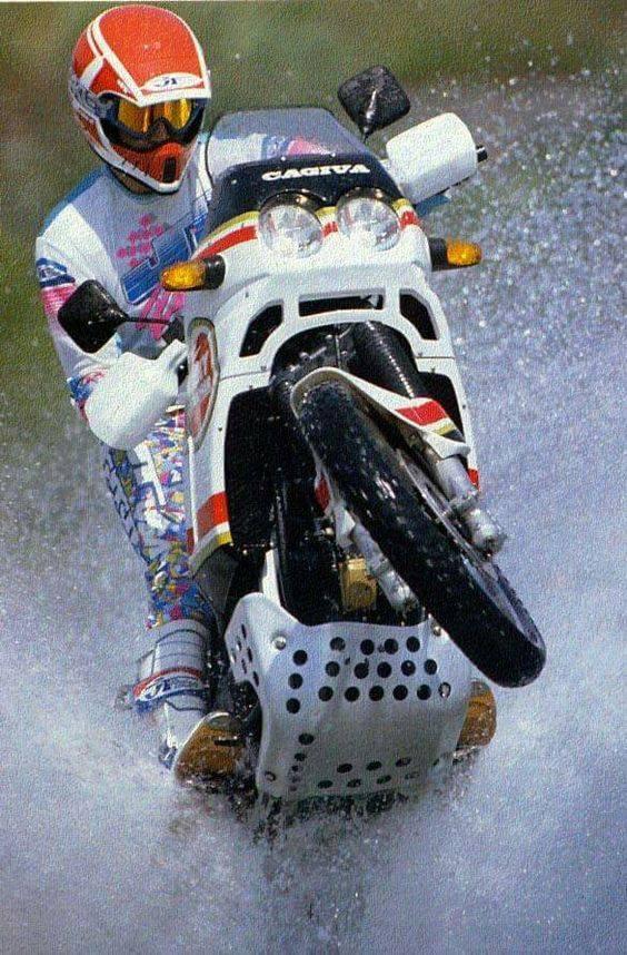 Vos plus belles photos de motos - Page 33 1908210145162411416368489