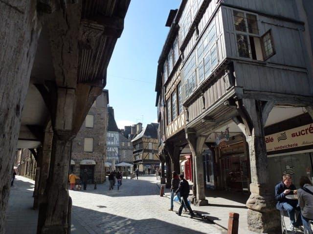 Old houses (Dinan)