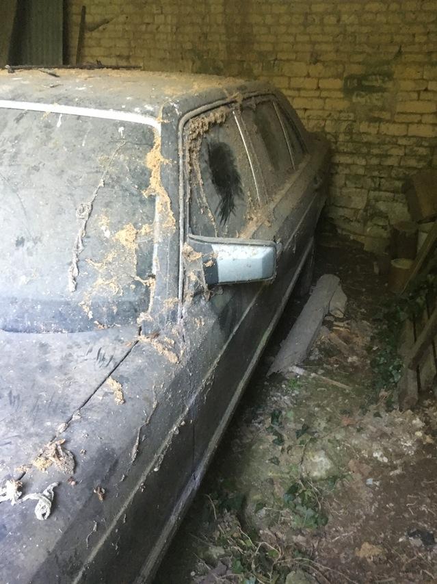 Nouveau sur ce forum, je me présente, enfin moi et ma voiture !!  19083111395524978116387052