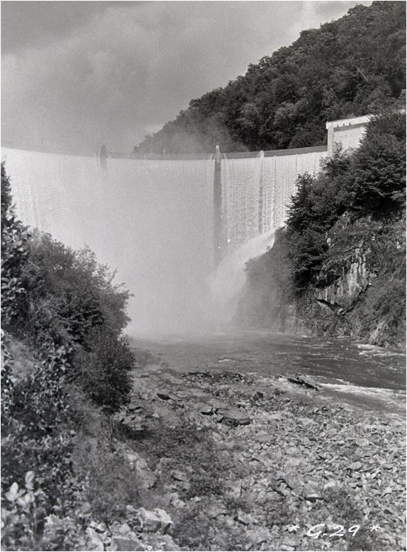 Vieilles photos de barrages hydrauliques ( ajouts ) F3V0Ib-DSC05790-copie