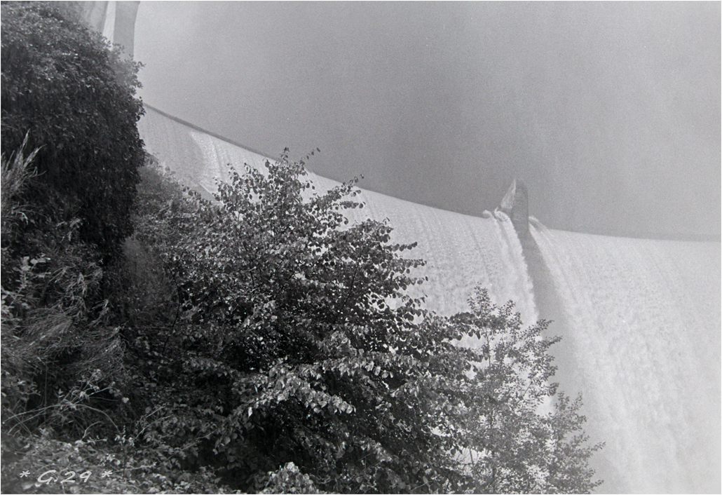Vieilles photos de barrages hydrauliques ( ajouts ) M3V0Ib-DSC05791-copie