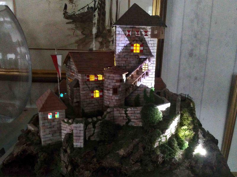 Village médiéval fortifié 19110610311523648416495024