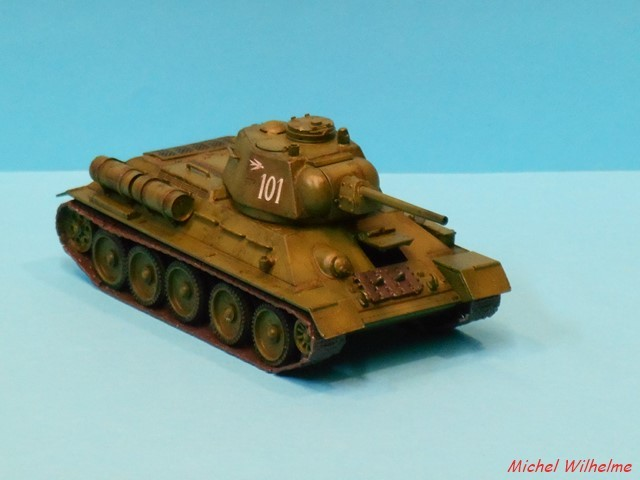 T34/76  modéle 1943  tourelle moulée. 1/72 maquette UM 1911090852435625616500479