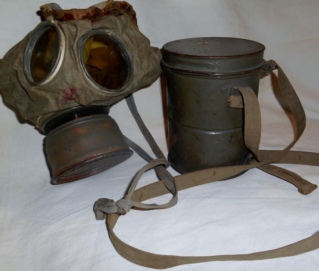 Gummi gas mask 19111007535723624316502878