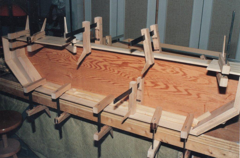 Fabrication d'instruments de musique anciens de bgire 3GQ3Ib-1992-Clavicorde-Pisaurensis-07