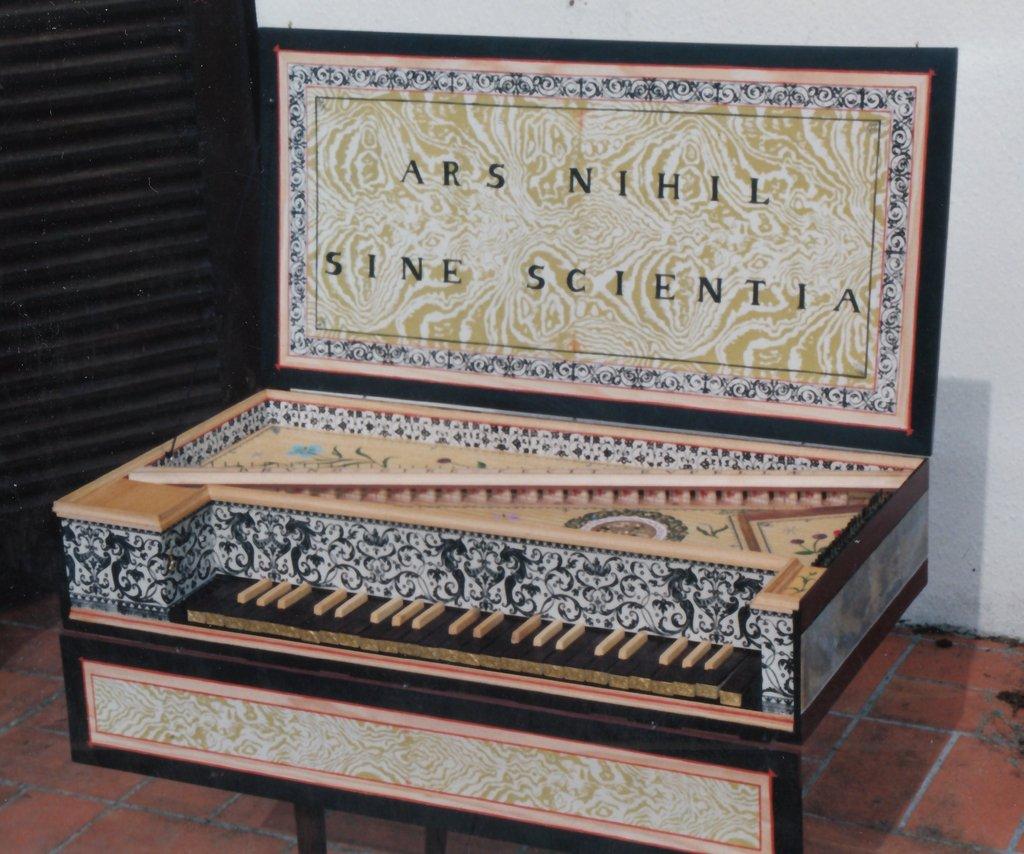 Fabrication d'instruments de musique anciens de bgire 45R3Ib-1992-Kind-Virginal-084