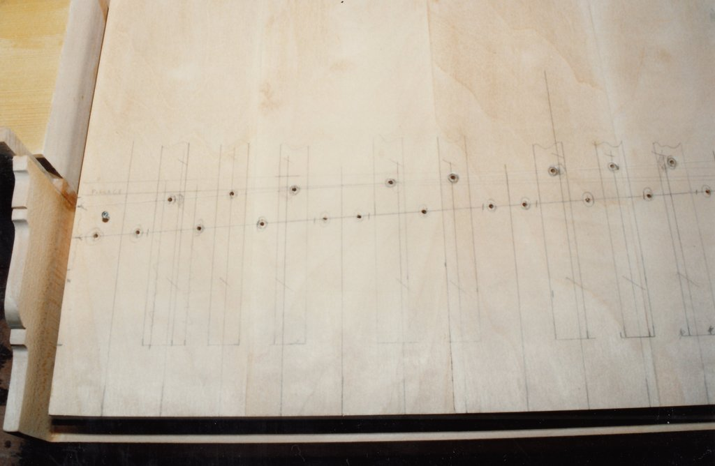 Fabrication d'instruments de musique anciens de bgire 7IQ3Ib-1992-Clavicorde-Pisaurensis-29