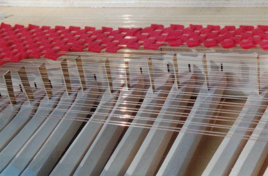 Fabrication d'instruments de musique anciens de bgire BHQ3Ib-1992-Clavicorde-Pisaurensis-41