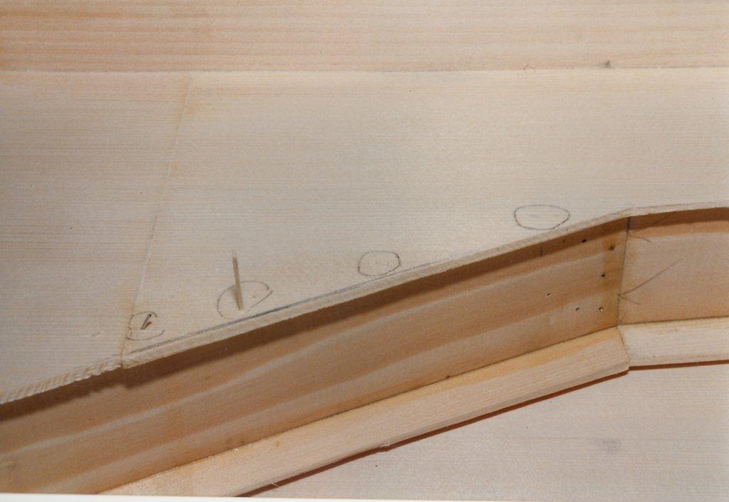 Fabrication d'instruments de musique anciens de bgire JHQ3Ib-1992-Clavicorde-Pisaurensis-19