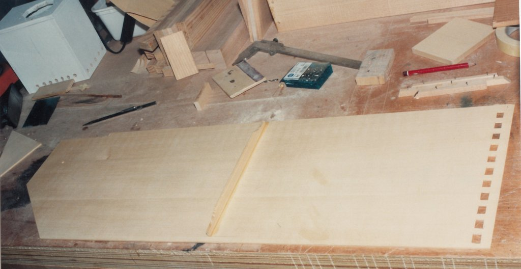 Fabrication d'instruments de musique anciens de bgire PGQ3Ib-1992-Clavicorde-Pisaurensis-12
