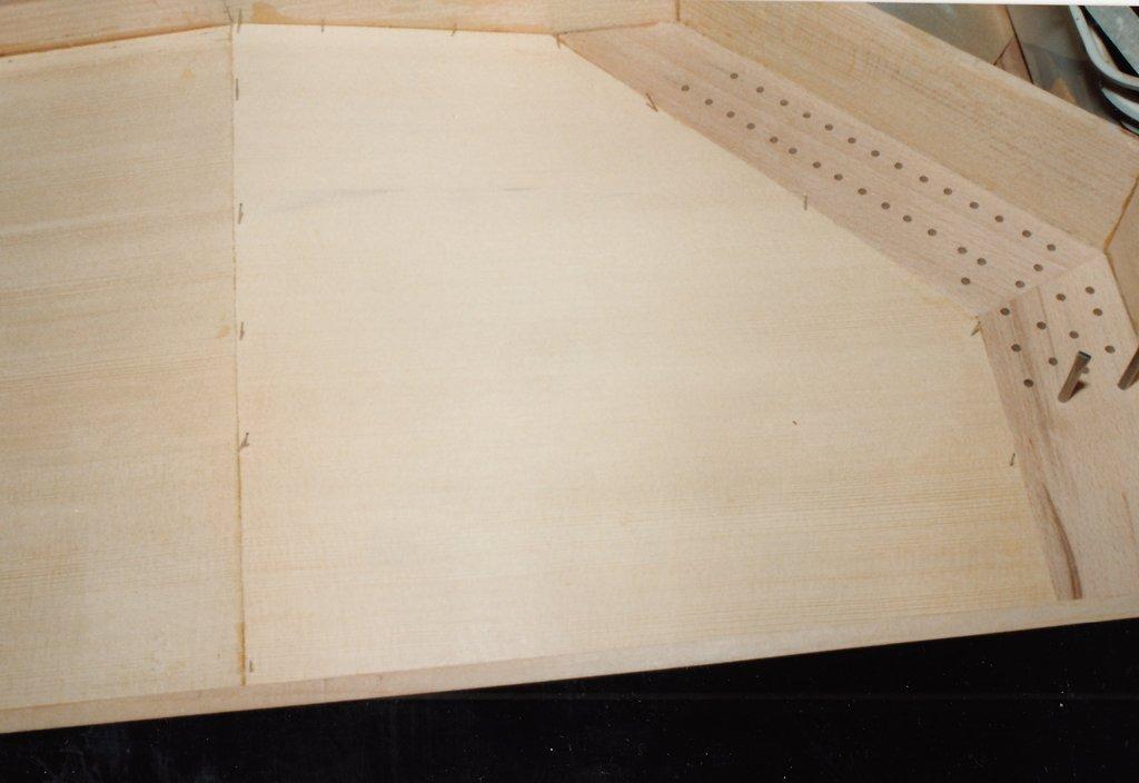 Fabrication d'instruments de musique anciens de bgire SHQ3Ib-1992-Clavicorde-Pisaurensis-20