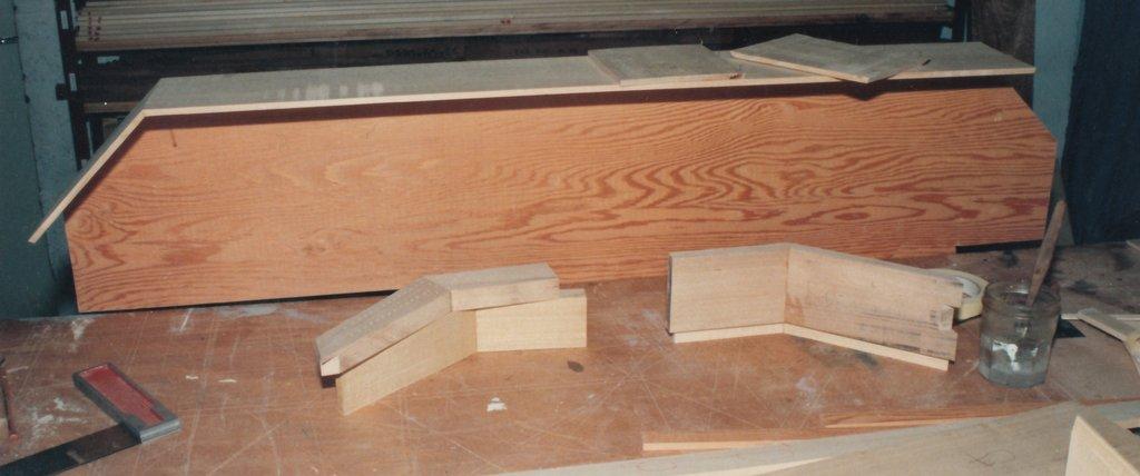 Fabrication d'instruments de musique anciens de bgire TFQ3Ib-1992-Clavicorde-Pisaurensis-02