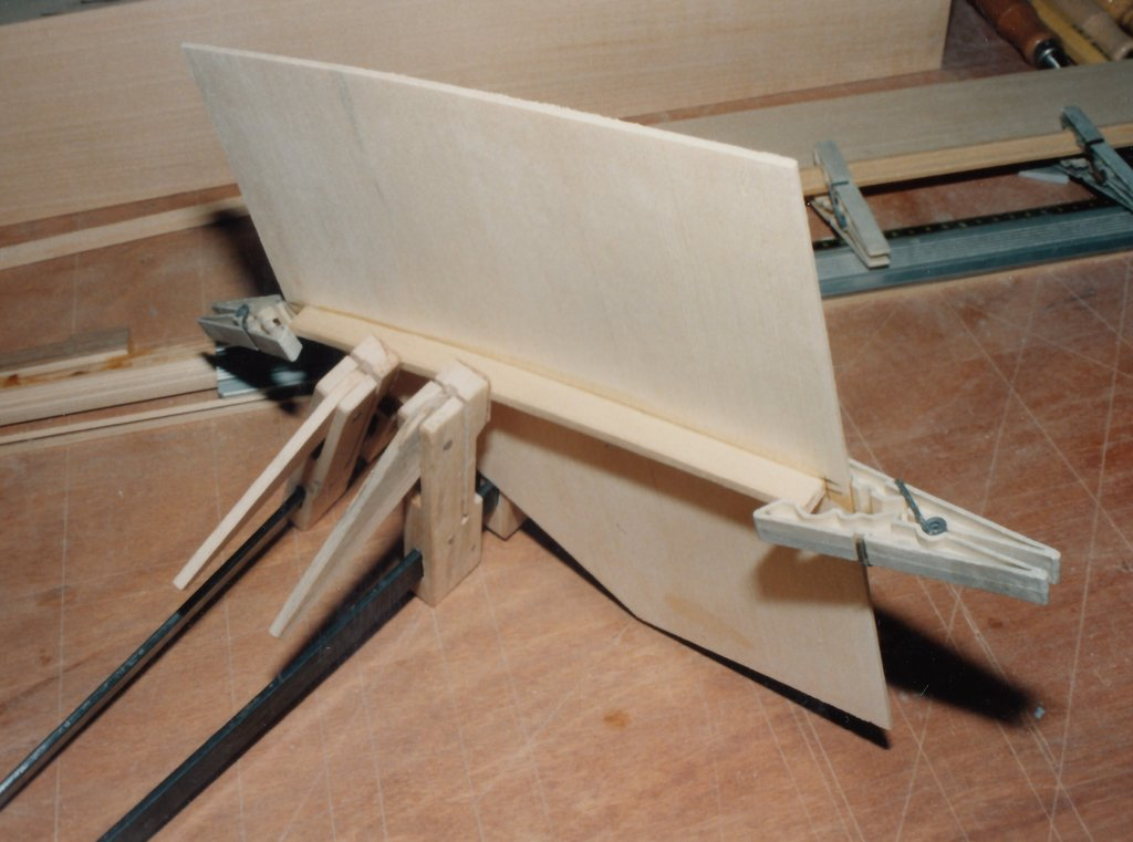 Fabrication d'instruments de musique anciens de bgire UHQ3Ib-1992-Clavicorde-Pisaurensis-21