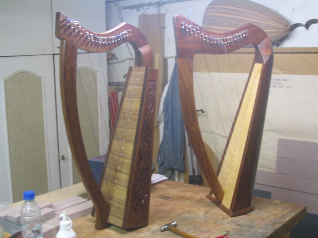 Fabrication d'instruments de musique anciens de bgire VwR3Ib-Harpe-a-Lalie-1