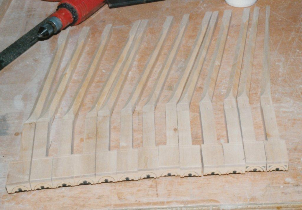 Fabrication d'instruments de musique anciens de bgire FJQ3Ib-1992-Clavicorde-Pisaurensis-38