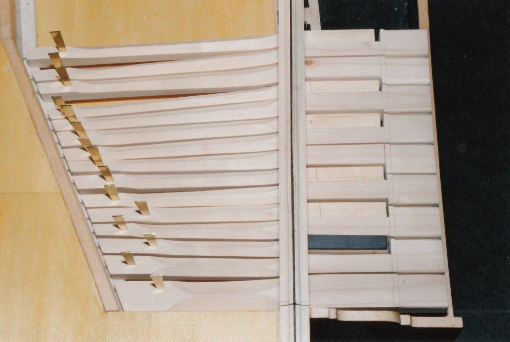 Fabrication d'instruments de musique anciens de bgire IJQ3Ib-1992-Clavicorde-Pisaurensis-39