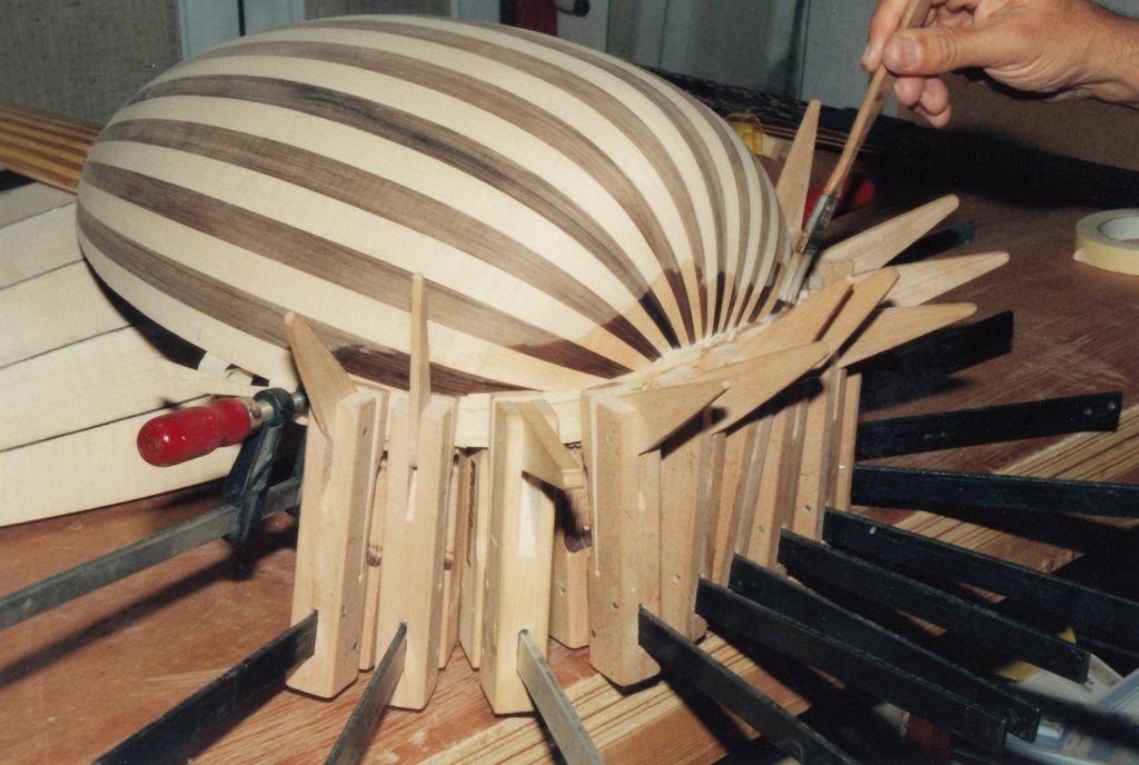 Fabrication d'instruments de musique anciens de bgire 19111306415423134916508224