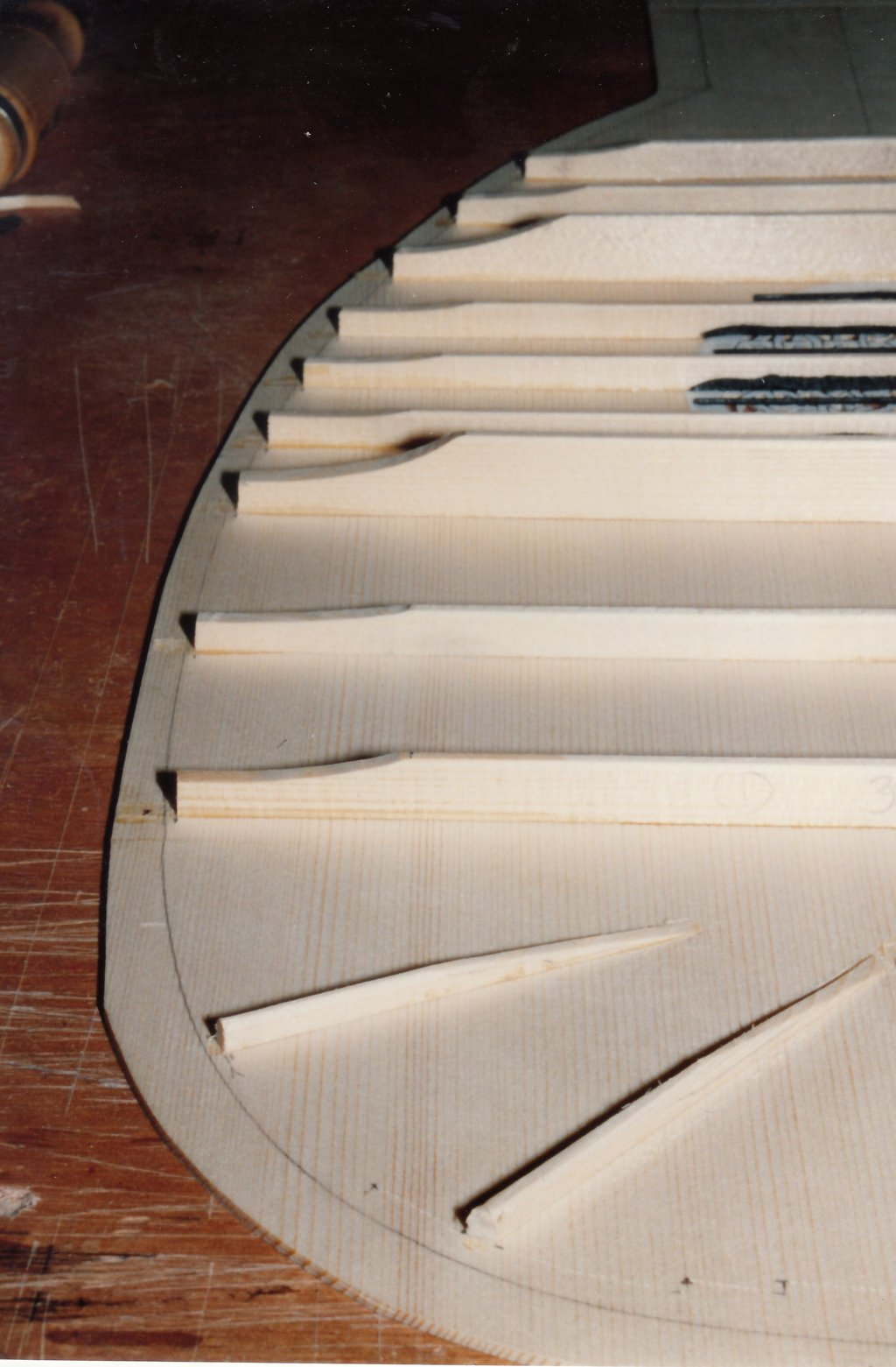 Fabrication d'instruments de musique anciens de bgire 19111306423523134916508232