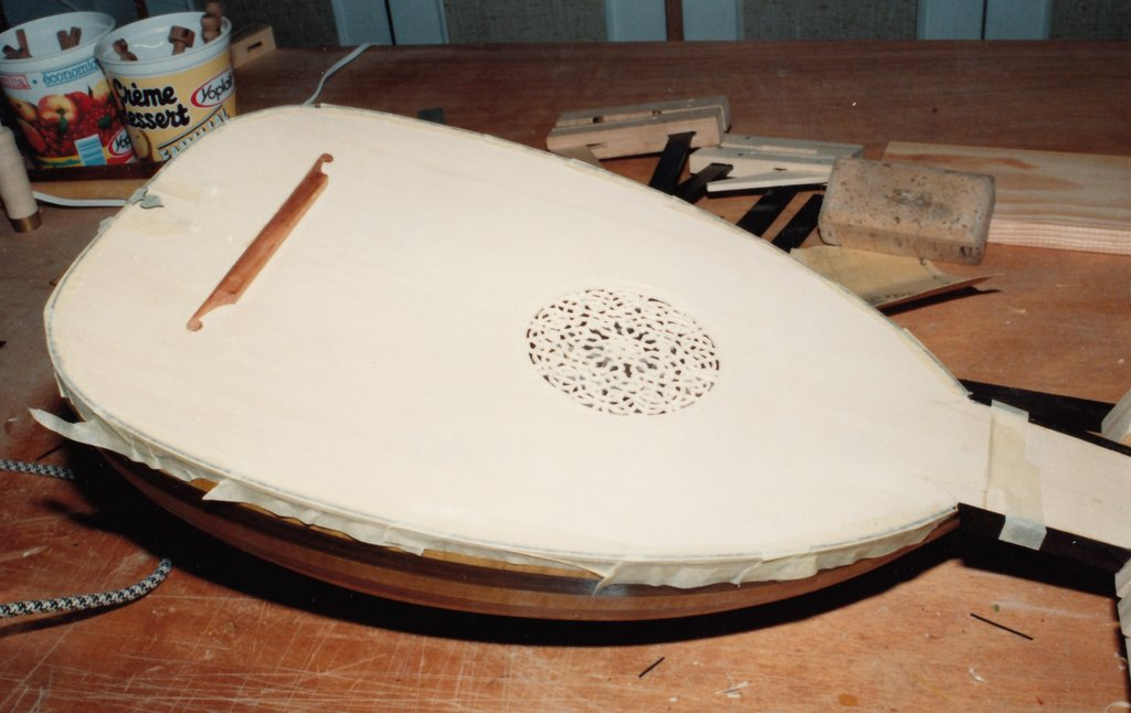 Fabrication d'instruments de musique anciens de bgire 19111306434323134916508239