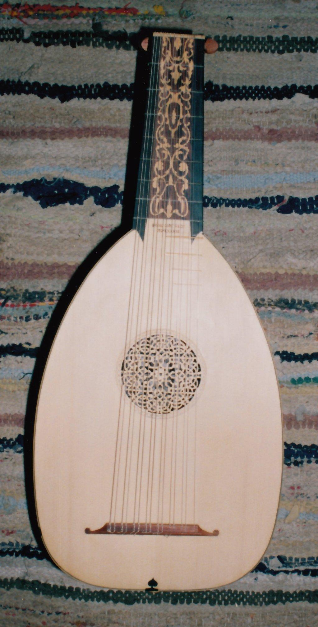 Fabrication d'instruments de musique anciens de bgire 19111306461123134916508265