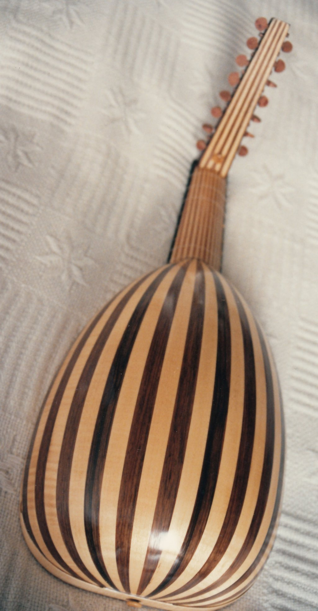 Fabrication d'instruments de musique anciens de bgire 19111306461823134916508267