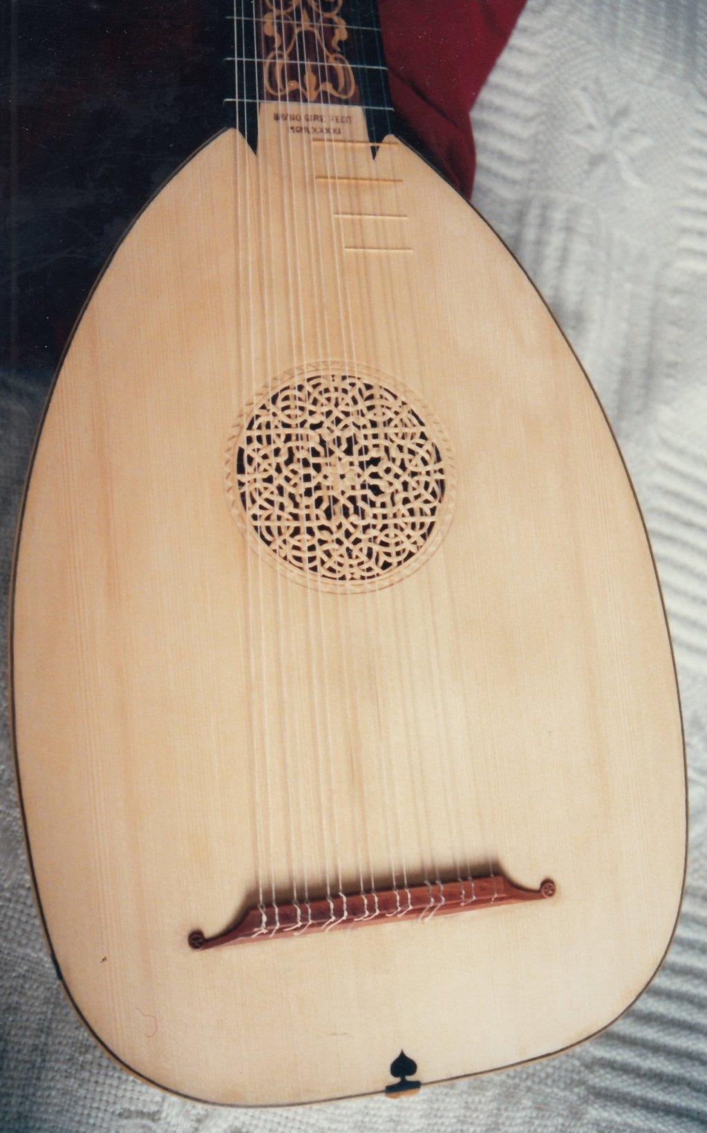Fabrication d'instruments de musique anciens de bgire 19111306464123134916508270