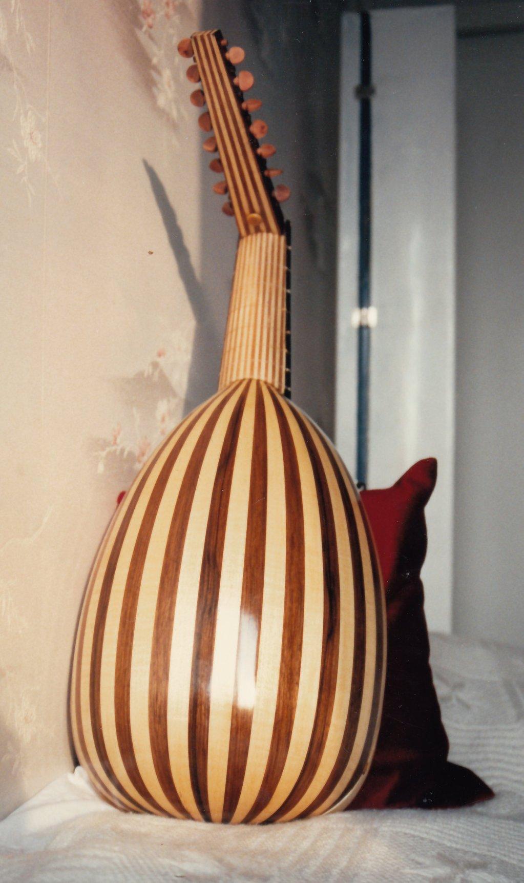 Fabrication d'instruments de musique anciens de bgire 19111306465523134916508273