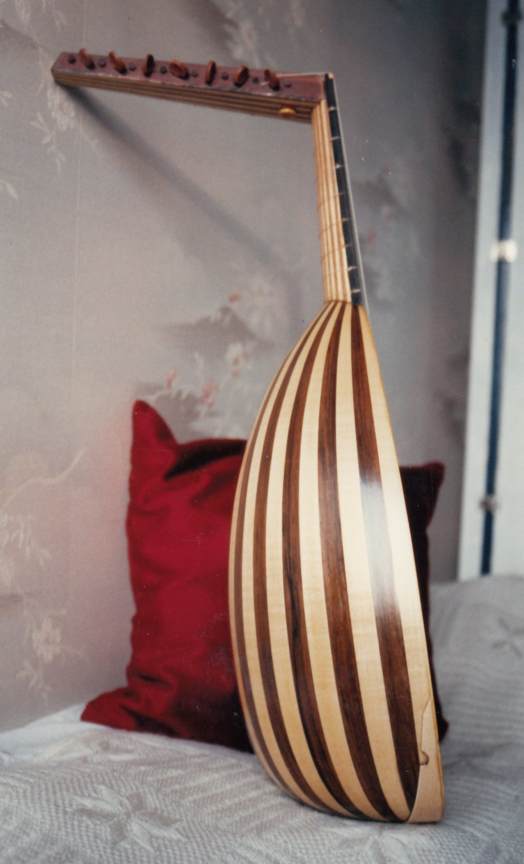 Fabrication d'instruments de musique anciens de bgire 19111306470423134916508275