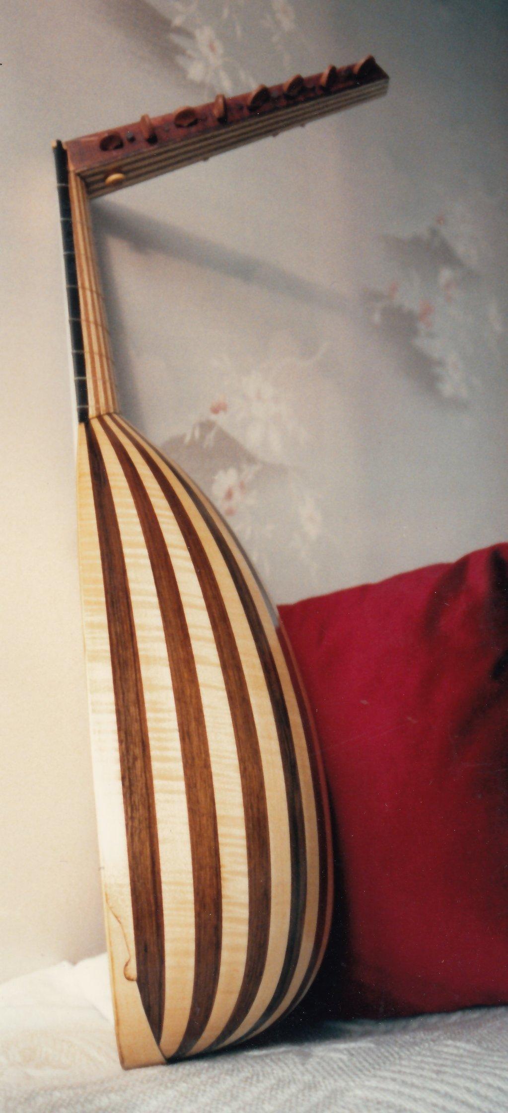 Fabrication d'instruments de musique anciens de bgire 19111306471223134916508277