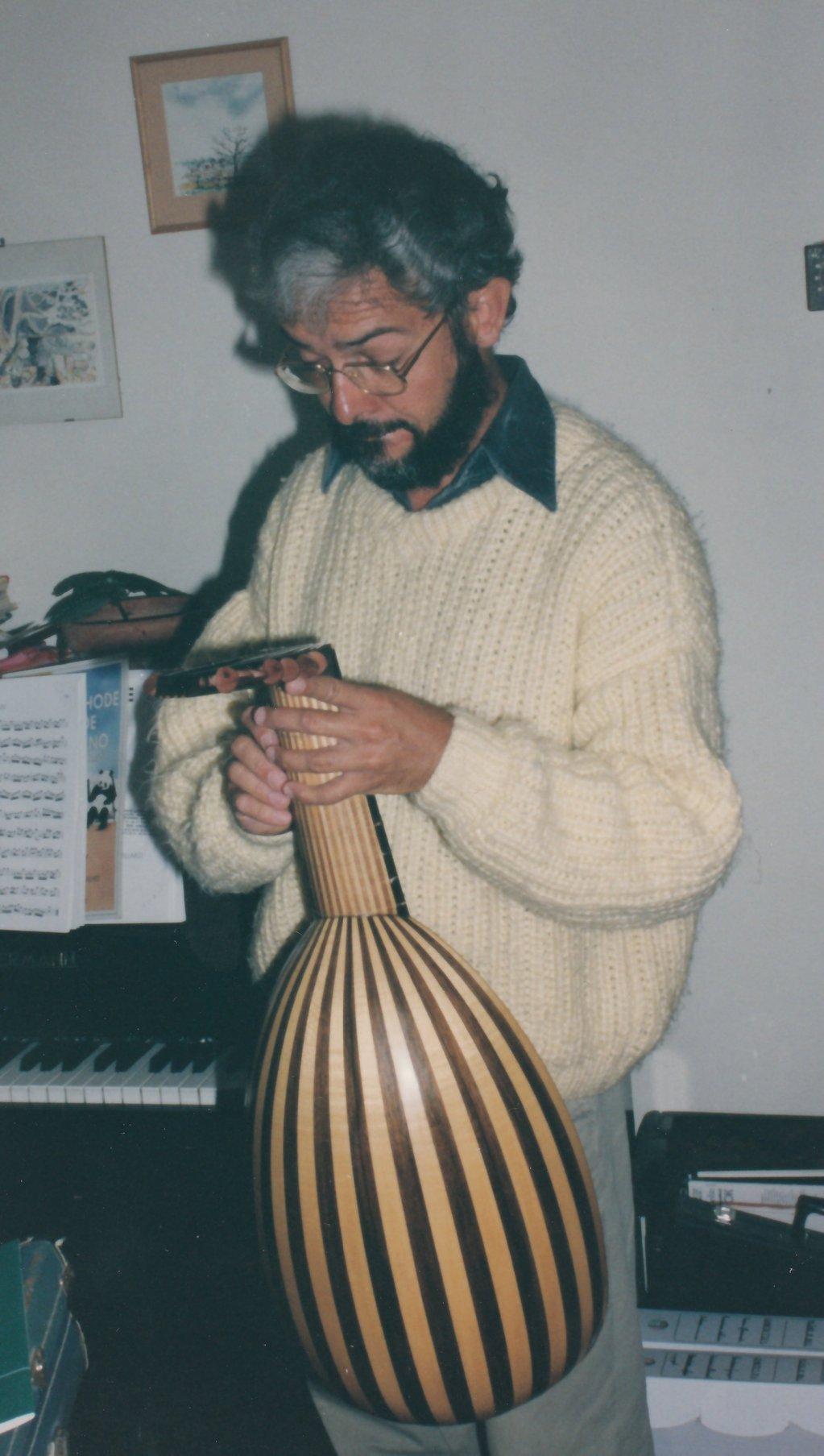 Fabrication d'instruments de musique anciens de bgire 19111306472323134916508281