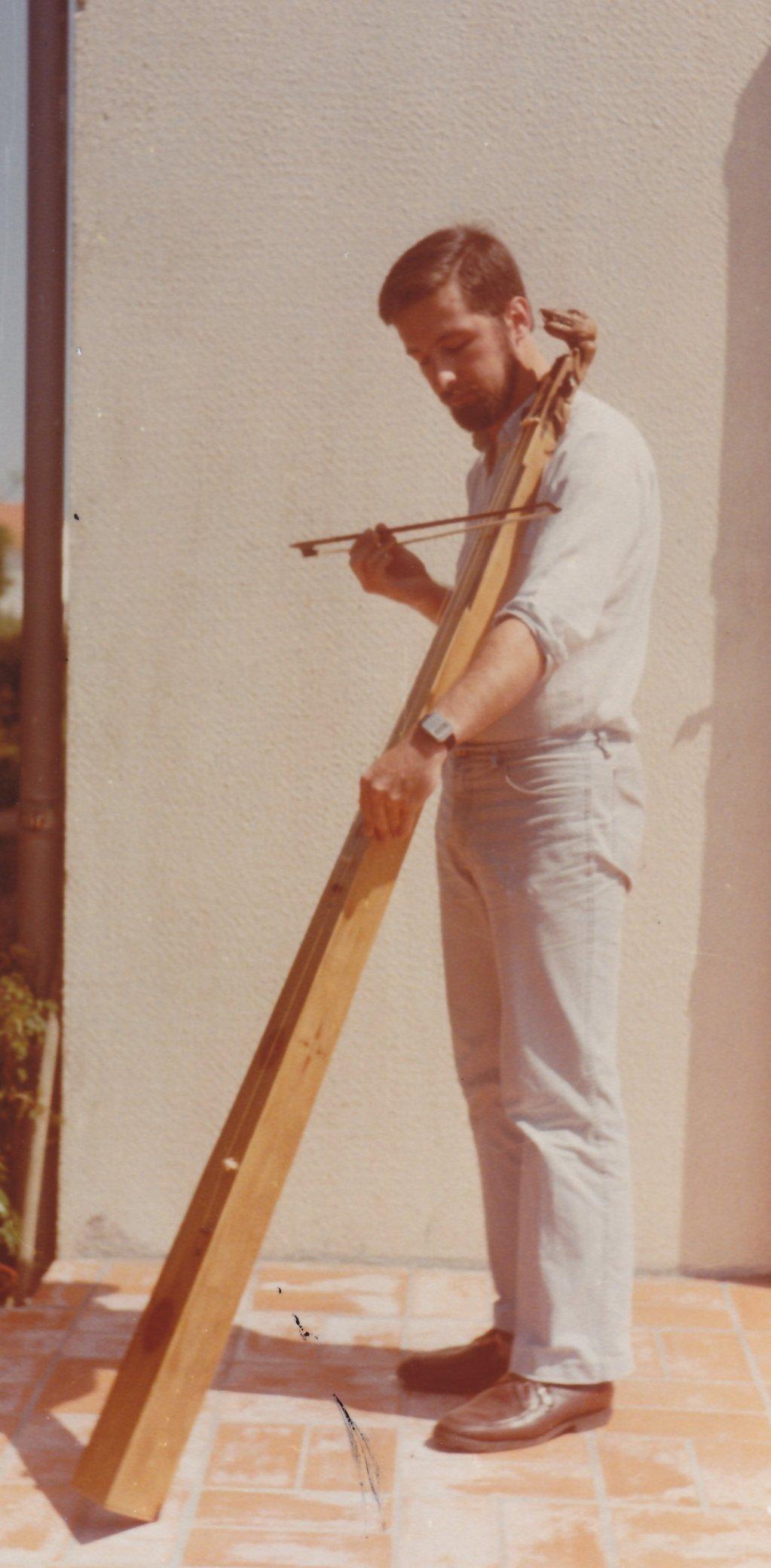 Fabrication d'instruments de musique anciens de bgire - Page 2 ZDv5Ib-1983-Trompette-marine-01