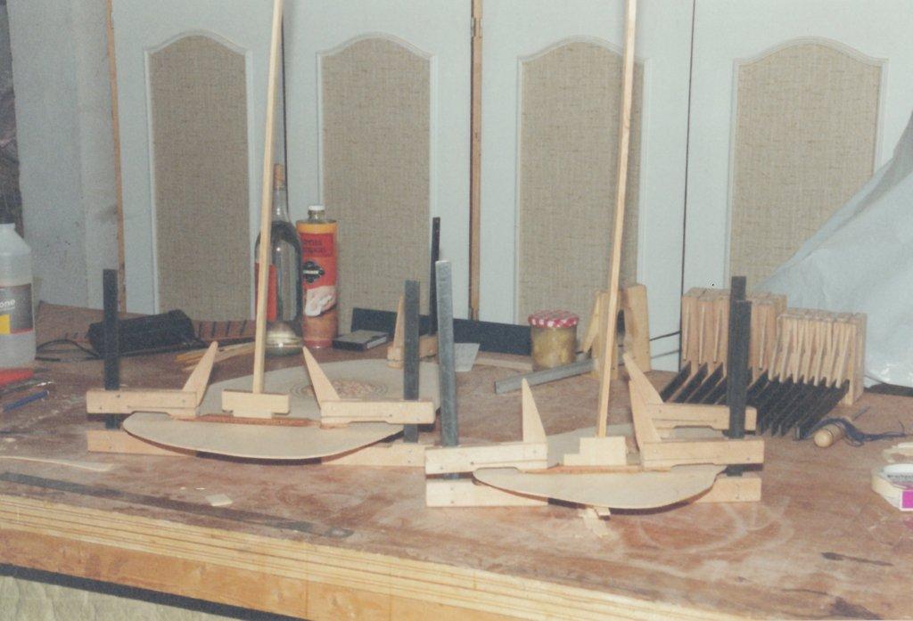 Fabrication d'instruments de musique anciens de bgire - Page 2 4Fb6Ib-Orpharion-bandora-06