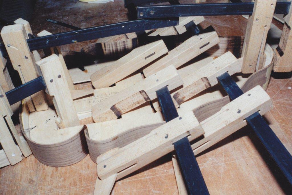 Fabrication d'instruments de musique anciens de bgire - Page 2 1Gr6Ib-1994-Orpharion-21