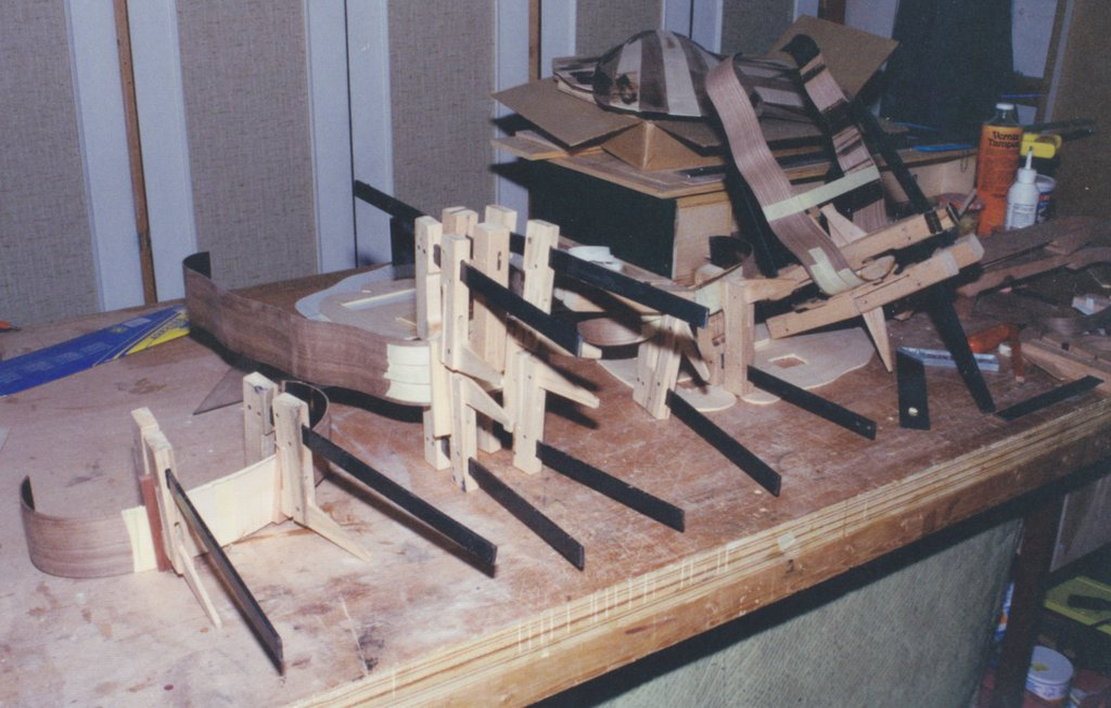 Fabrication d'instruments de musique anciens de bgire - Page 2 IFr6Ib-1994-Orpharion-18