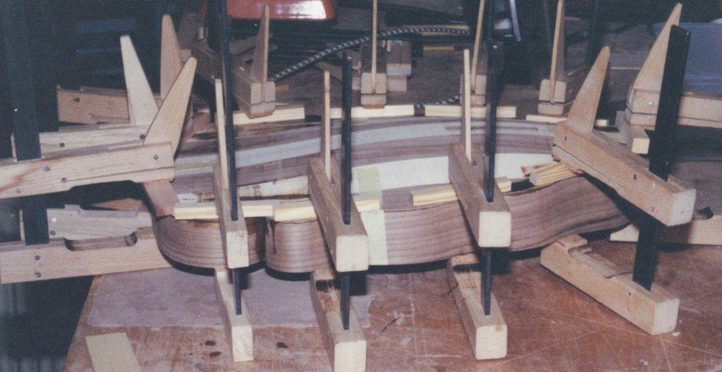 Fabrication d'instruments de musique anciens de bgire - Page 2 MHr6Ib-1994-Orpharion-27