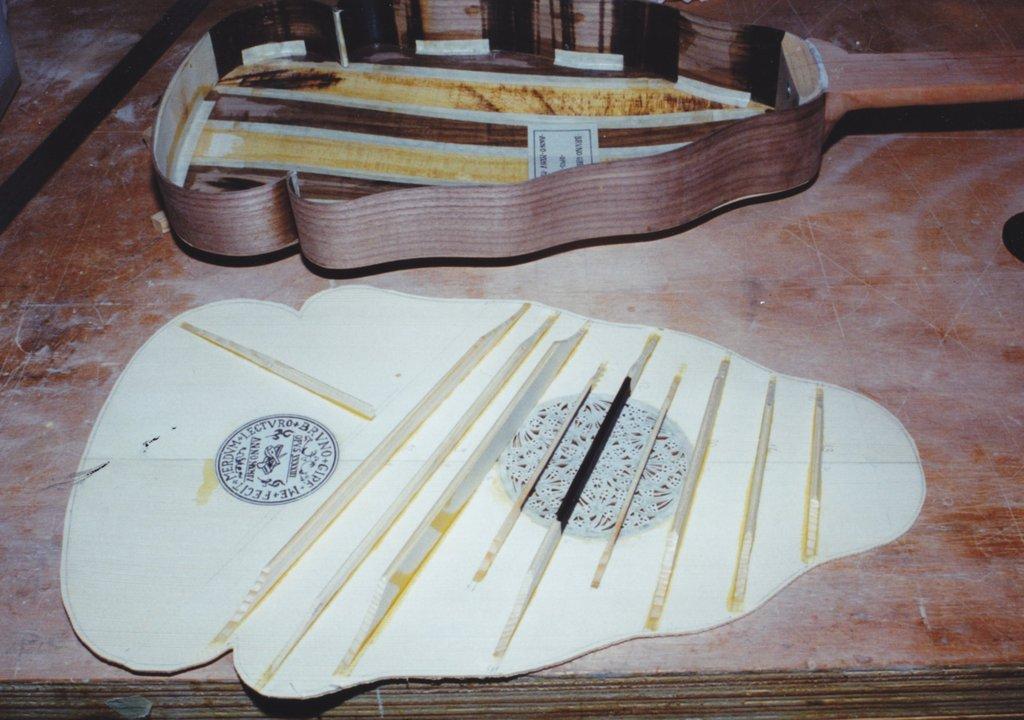 Fabrication d'instruments de musique anciens de bgire - Page 2 WKr6Ib-1994-Orpharion-47