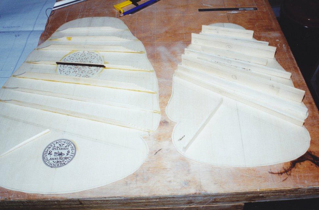 Fabrication d'instruments de musique anciens de bgire - Page 2 GKr6Ib-1994-Orpharion-40