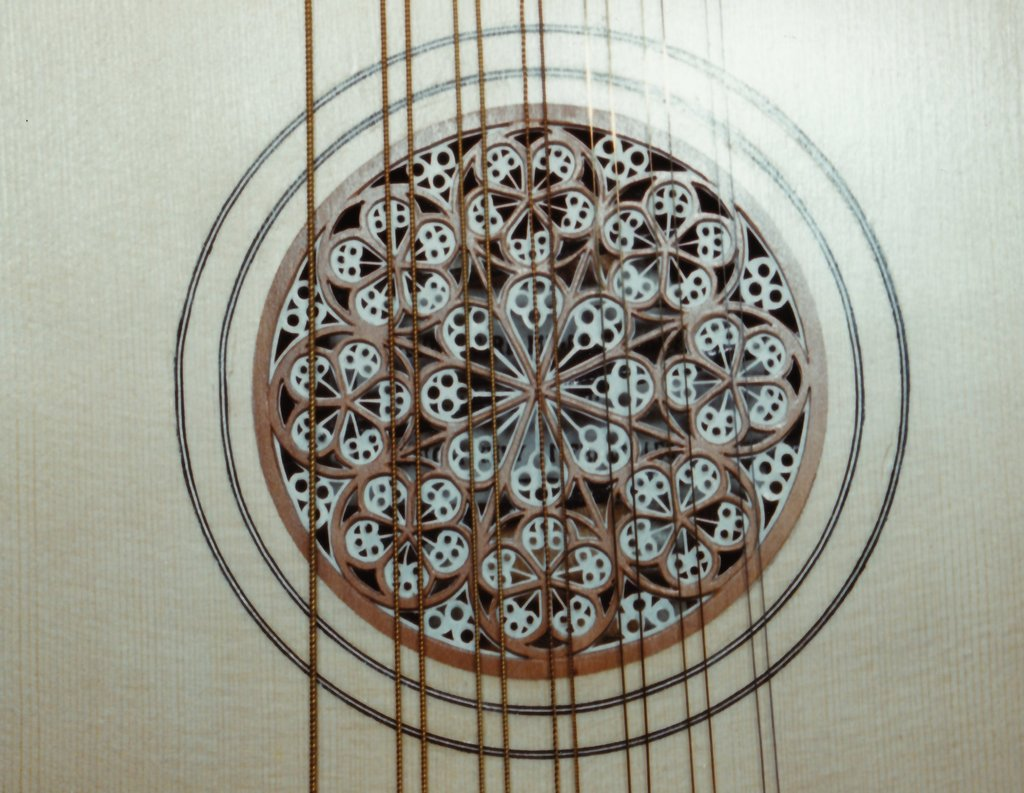 Fabrication d'instruments de musique anciens de bgire - Page 2 TFw6Ib-1994-Bandora-13