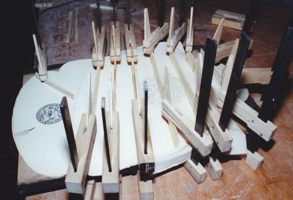 Fabrication d'instruments de musique anciens de bgire - Page 2 TKr6Ib-1994-Orpharion-41