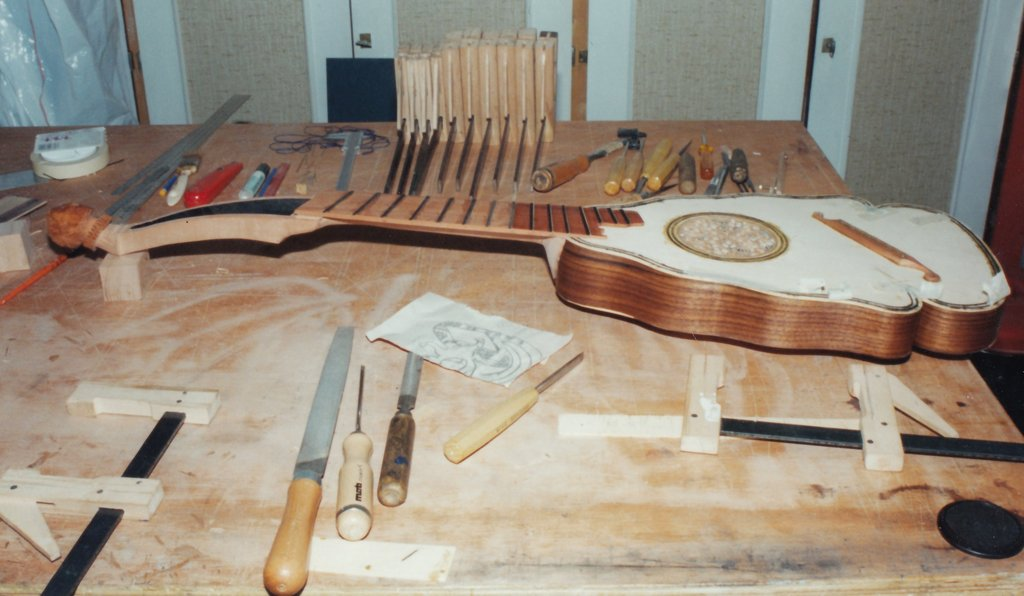 Fabrication d'instruments de musique anciens de bgire - Page 2 ULr6Ib-1994-Orpharion-51