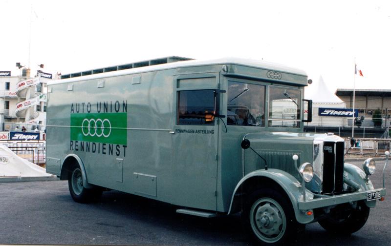 UMl7Ib-bussing1